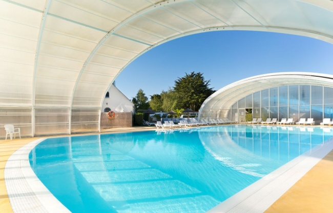 Camping bretagne avec piscine couverte camping avec for Camping en bretagne avec piscine pas cher